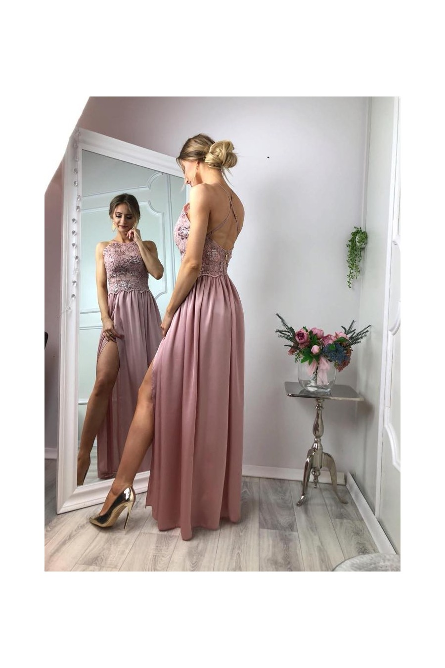 Pôvabné spoločenské šaty 3342