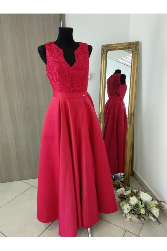 Nádherné šaty s čipkou 3243