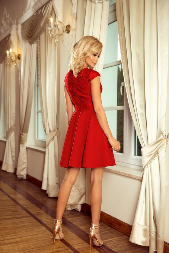 Elegantné šaty s čipkou 3253