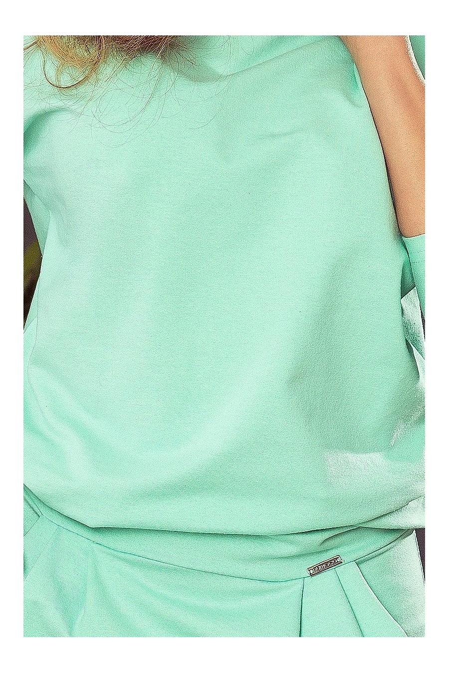 189-1 Šaty CRISTINA - Sportovní šaty s odštěpem na zádech - máta