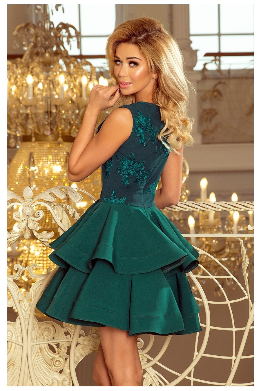 200-6 CHARLOTTE - Exkluzivní šaty s krajkou výstřihem - zelené