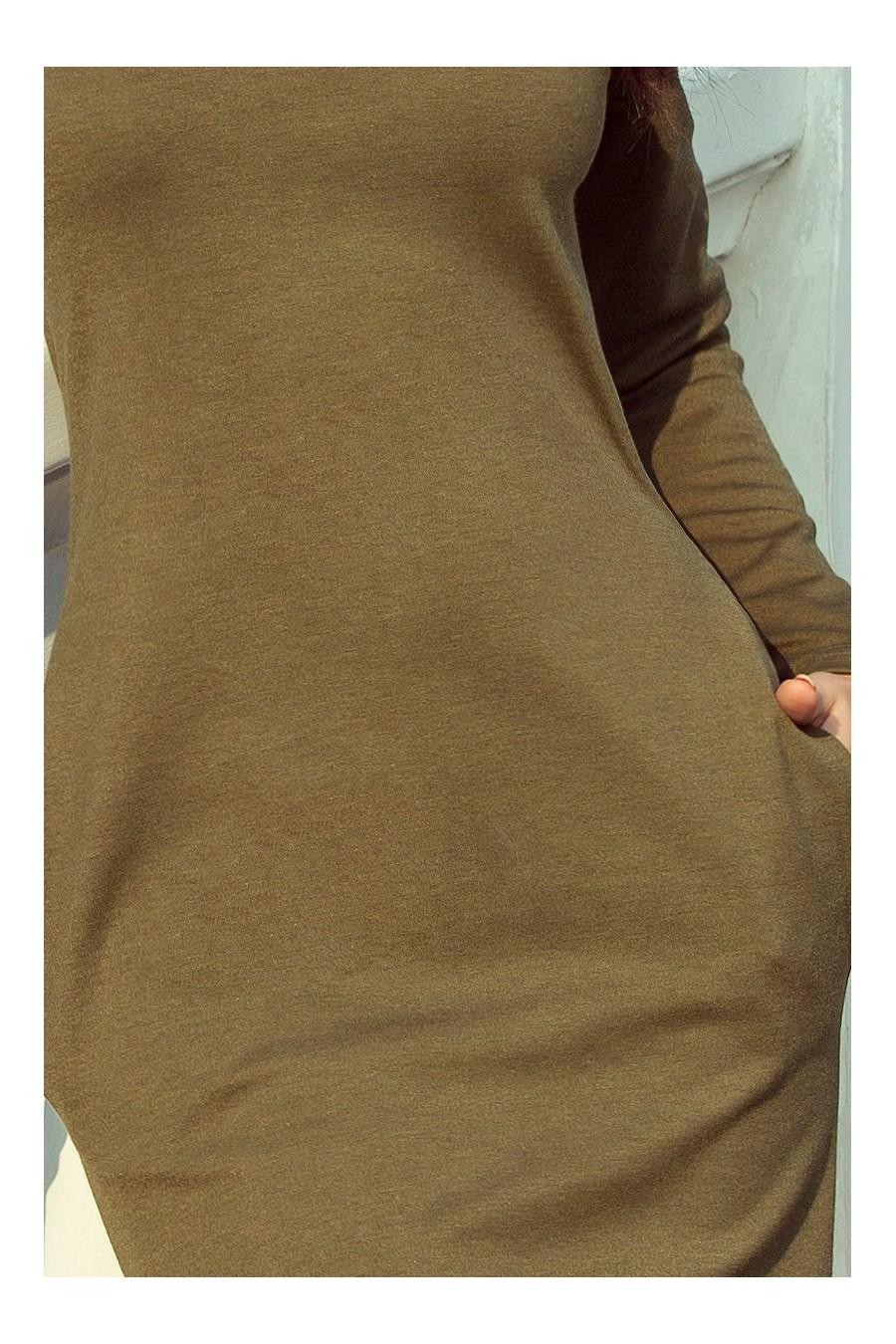 131-8 Šaty s velkým rolákem a kapsami - khaki barva