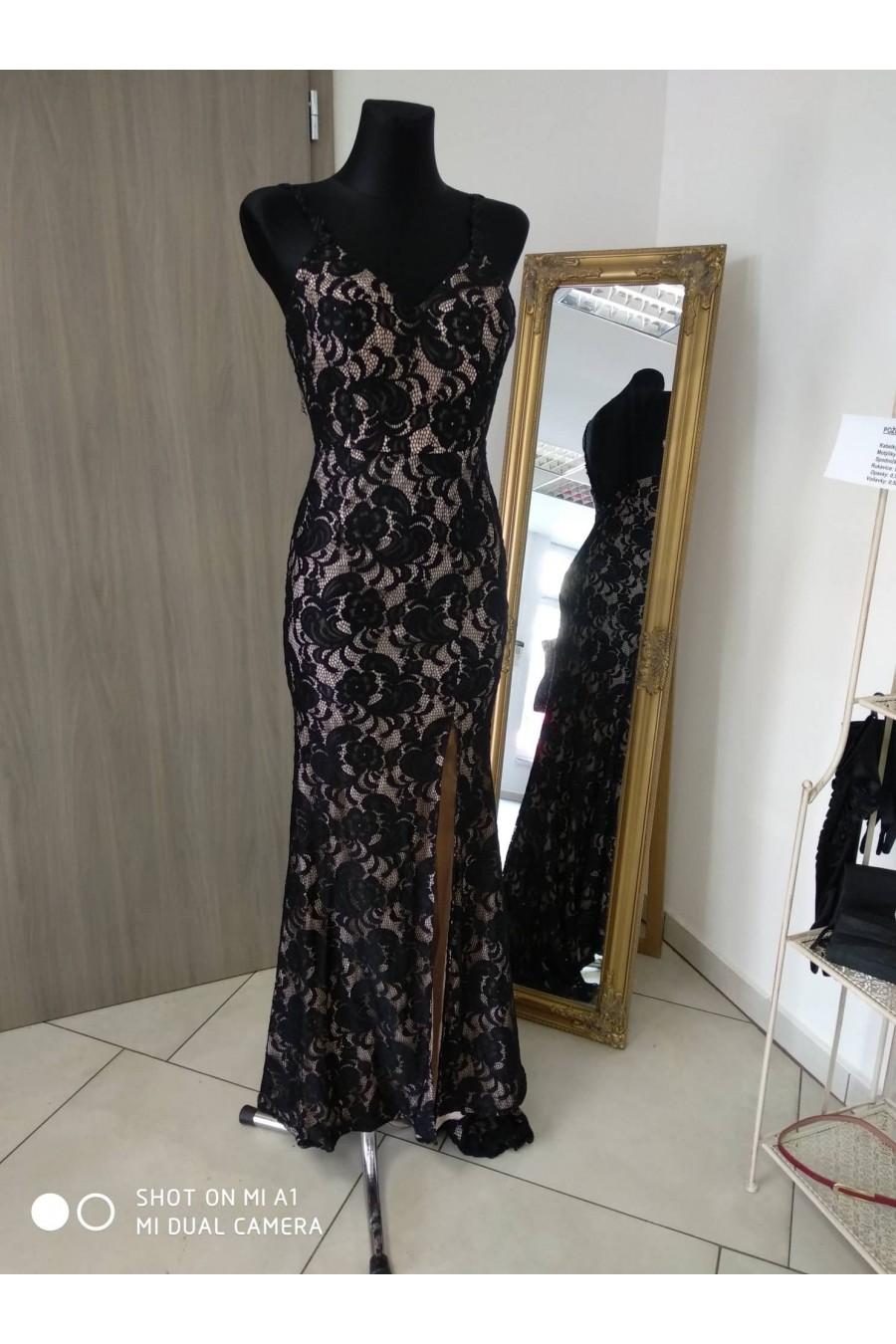 Pôvabné spoločenské šaty 4179