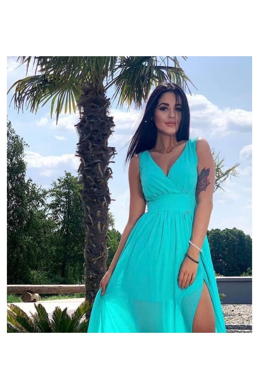Dámske šaty s rázporkom 3443