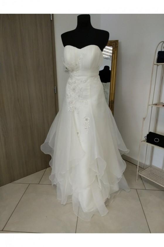 Svadobné šaty na šnurovanie