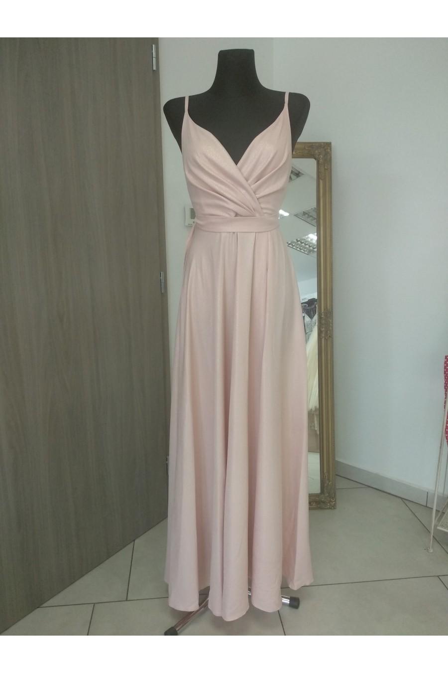 Pôvabné dámske šaty 3413