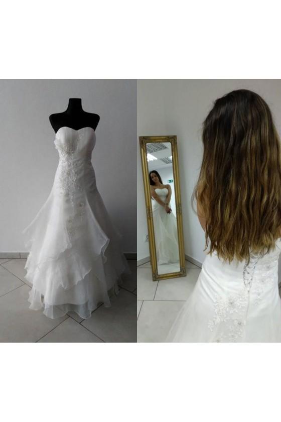 Svadobné šaty na šnurovanie...