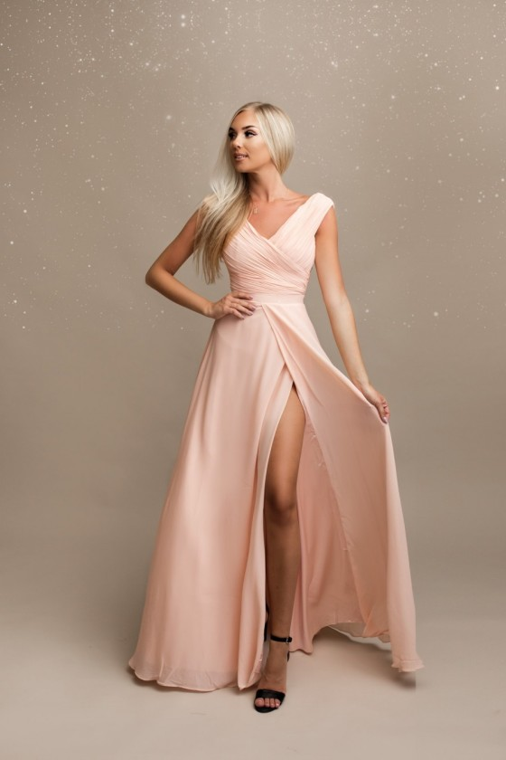 Pôvabné spoločenské šaty 30004