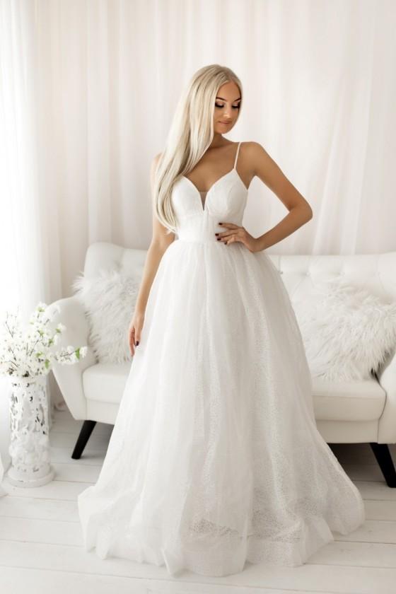 Trblietavé svadobné šaty na...