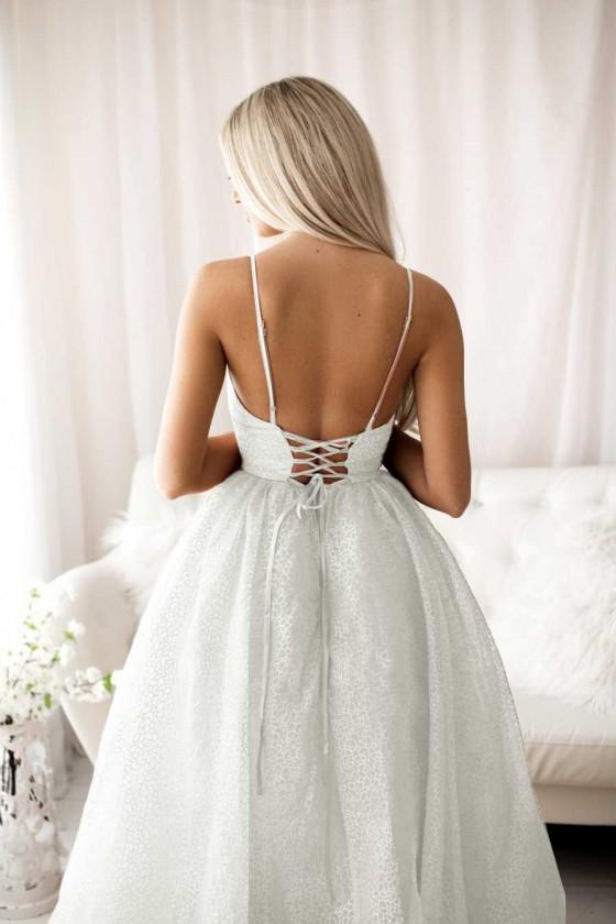 Trblietavé svadobné šaty na šnurovanie 30065