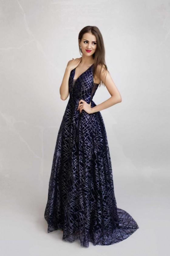 Trblietavé popolnočné šaty...