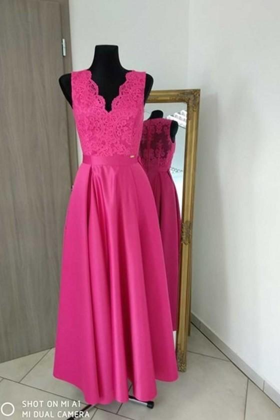 Pôvabné dámske šaty 3230
