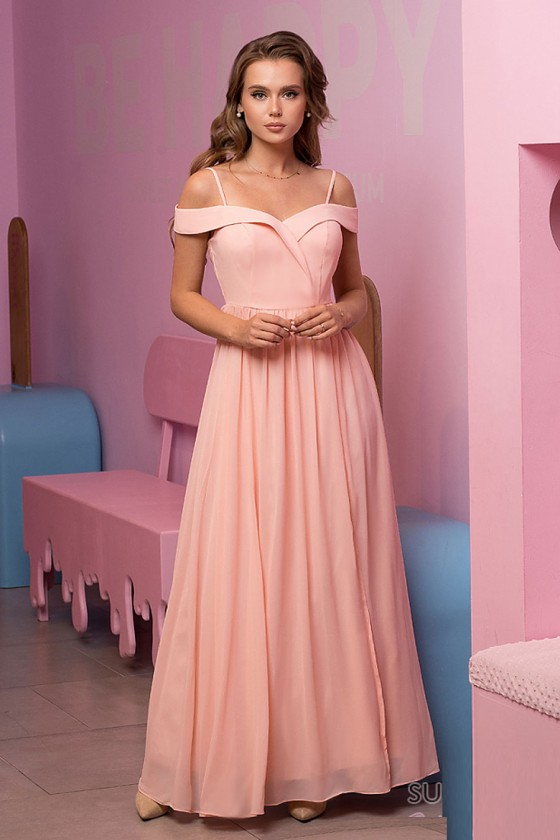 Nádherné šaty s rázporkom 3178